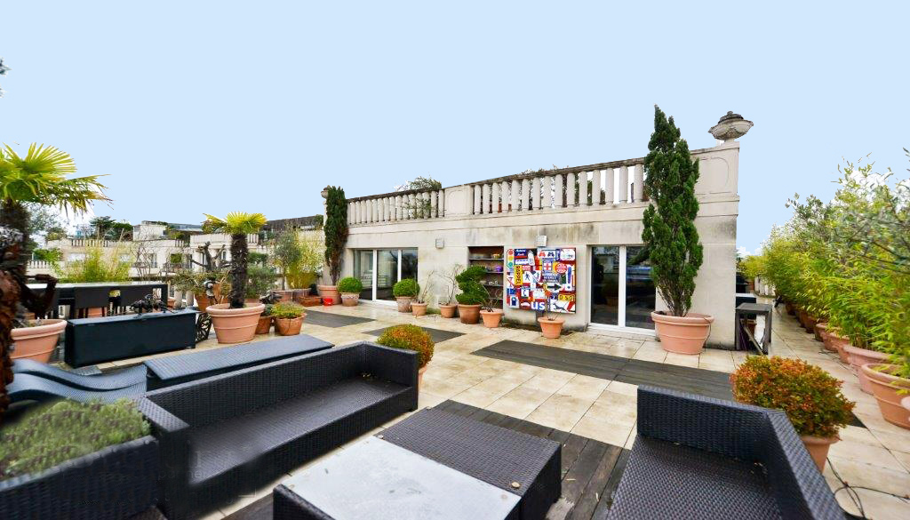 Property For Sale at Penthouse - Greffulhe