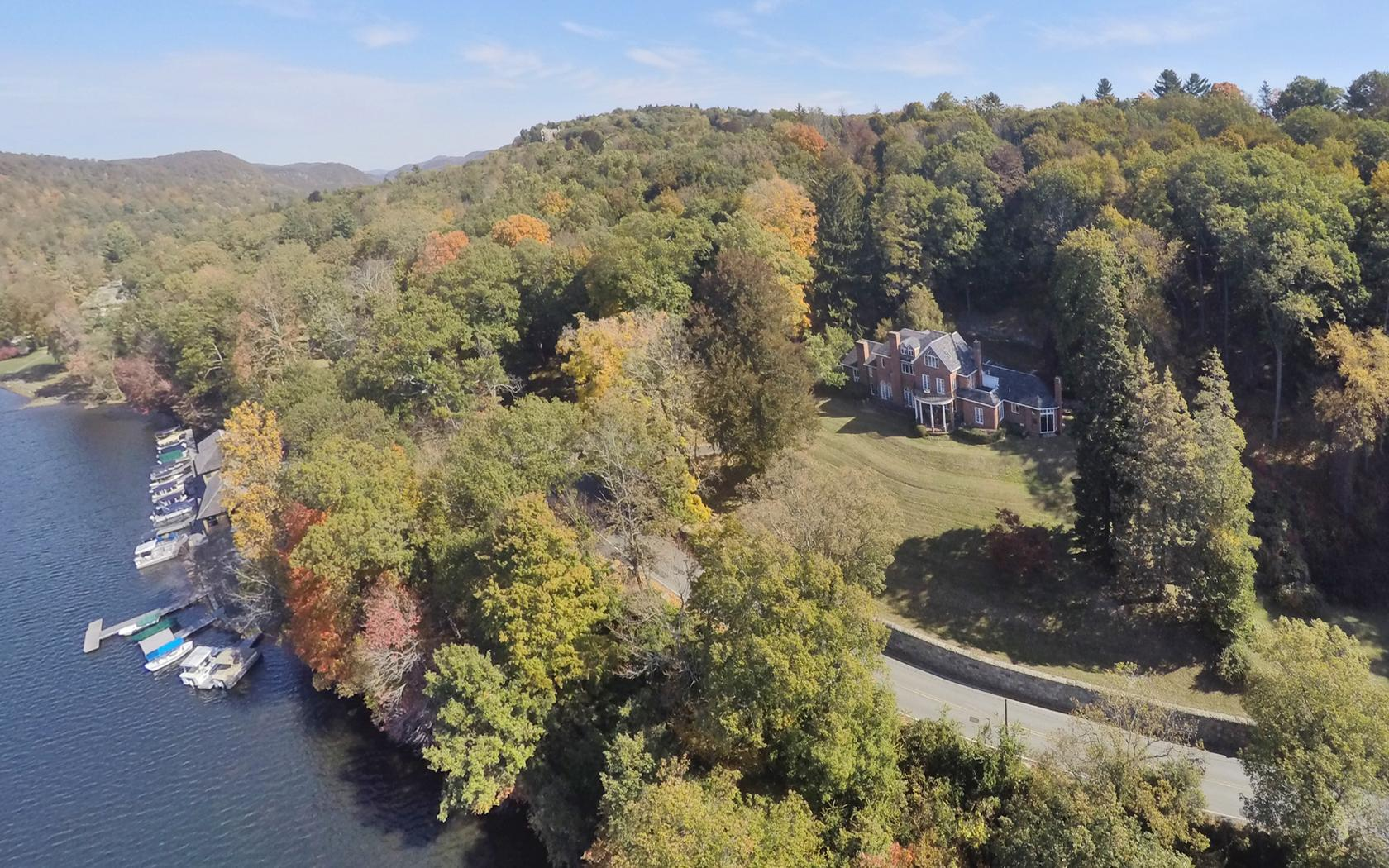 Single Family Home for Sale at Sunset Pointe 262 Tuxedo Road Tuxedo Park, New York, 10987 United States