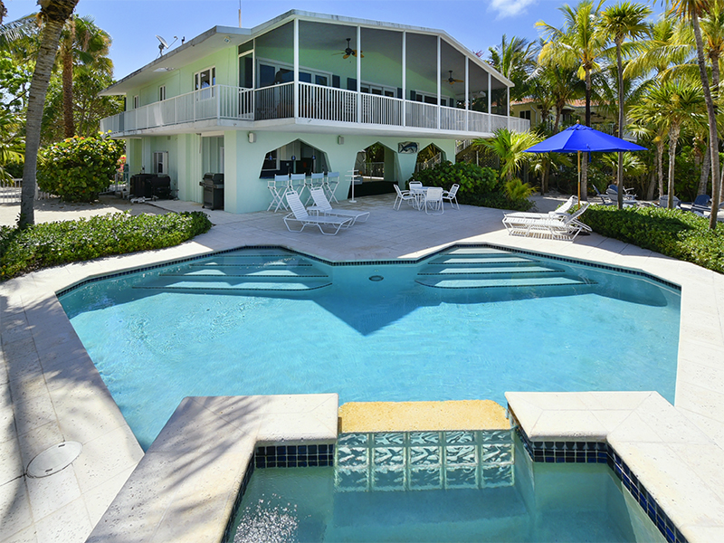Vivienda unifamiliar por un Venta en Spectacular Bayfront Home 11 N Bounty Lane Key Largo, Florida 33037 Estados Unidos