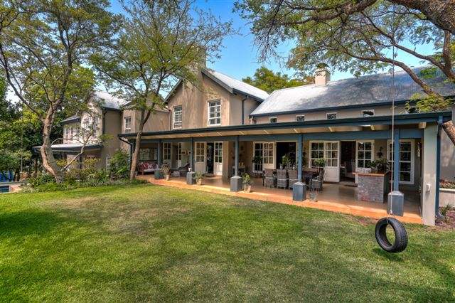 Casa Unifamiliar por un Venta en A Country Home Johannesburg, Provincia De Gauteng Sudáfrica