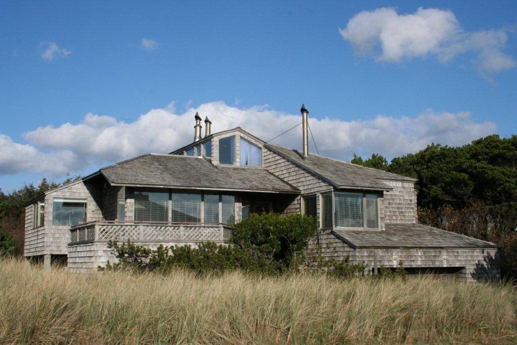 Single Family Home for Sale at Fabulous Ocean Views 8820 Pelican Ln. Manzanita, Oregon 97130 United States