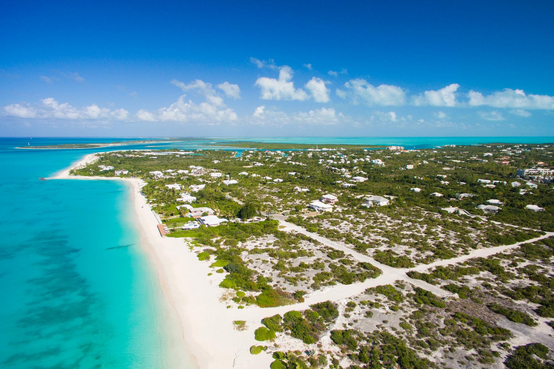 Additional photo for property listing at BEACH ENCLAVE GRACE BAY Design B Beachfront 格蕾斯湾, 普罗维登夏 TCI 特克斯和凯科斯群岛