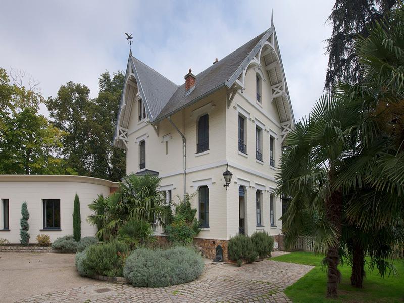 Property For Sale at Maison - Le Vesinet