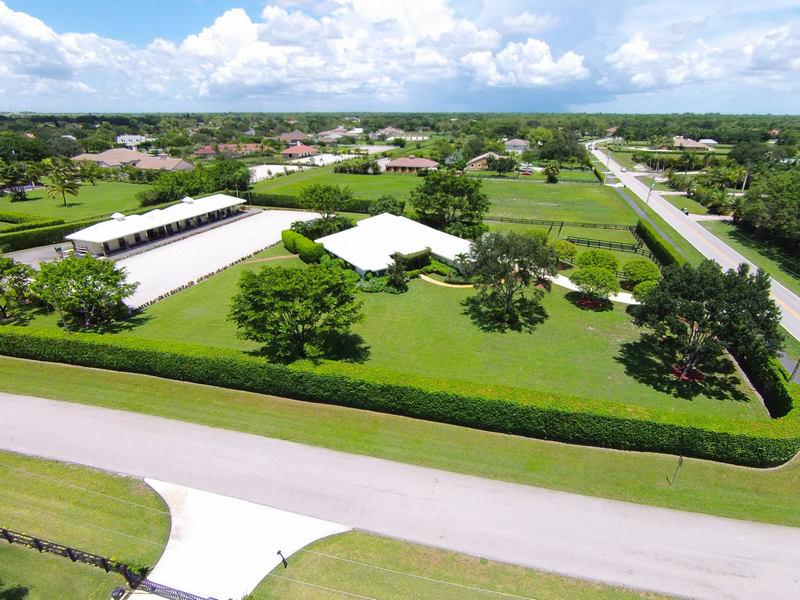 Maison unifamiliale pour l Vente à 14447 Wellington Trace Wellington, Florida, 33414 États-Unis