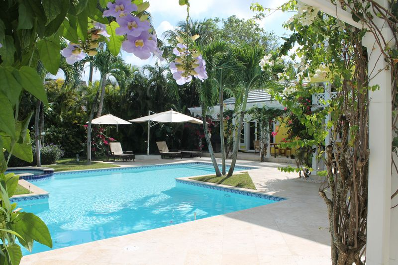 Additional photo for property listing at Stunning Pool Home Lyford Cay, Nueva Providencia / Nassau Bahamas