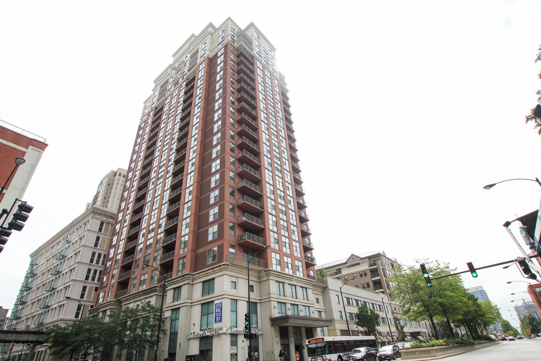 Condominium for Sale at Corner Unit with Open City View 1101 S State Street #2107 Near South Side, Chicago, Illinois 60605 United States