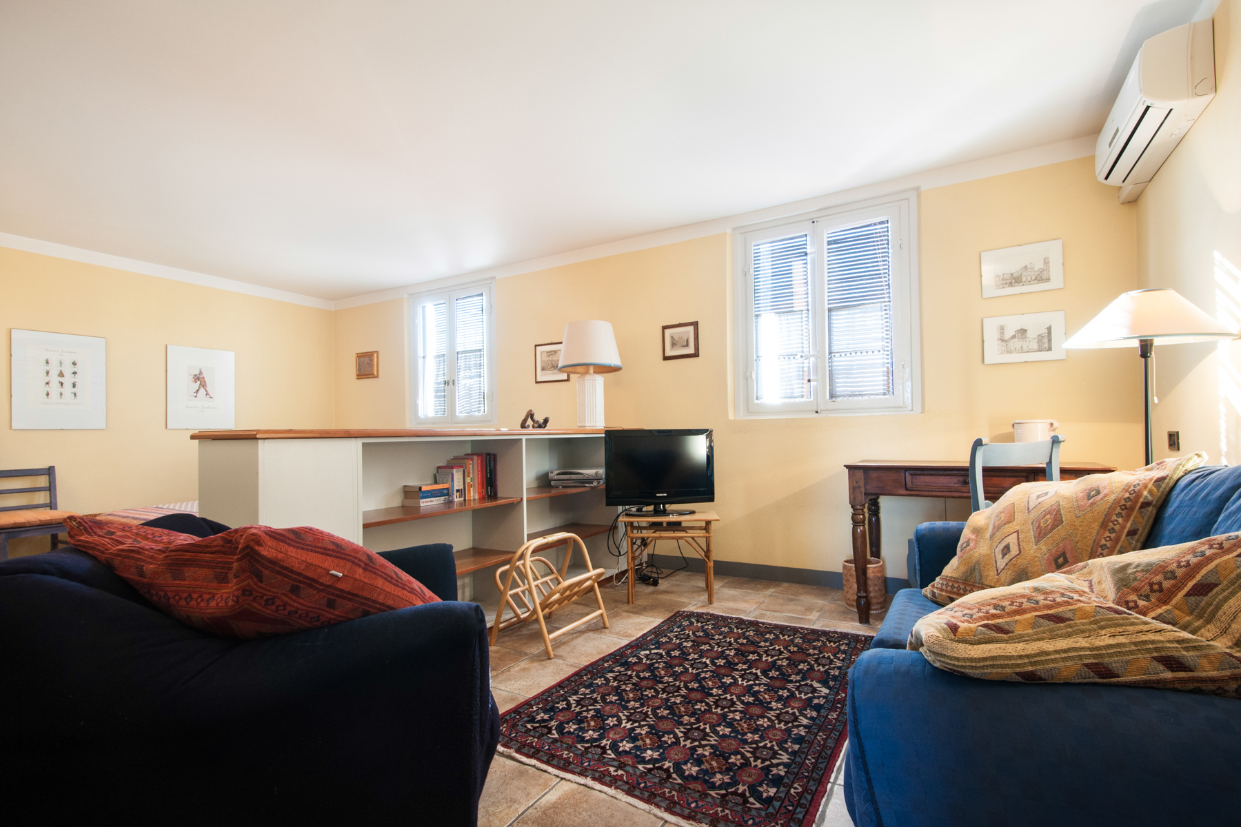 Additional photo for property listing at Bright apartment in Lucca city center Piazza San Giusto Lucca, Lucca 55100 Italia