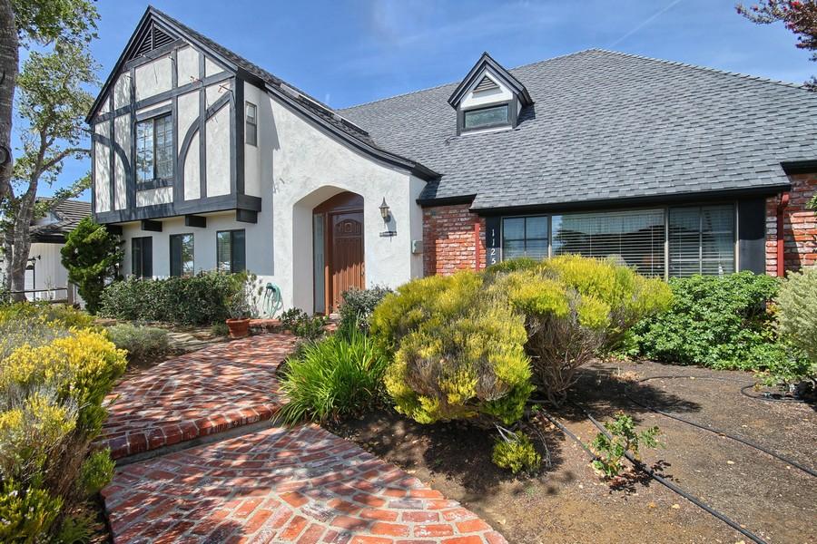 Villa per Vendita alle ore Pinewood 1125 Pinewood Cambria, California 93428 Stati Uniti
