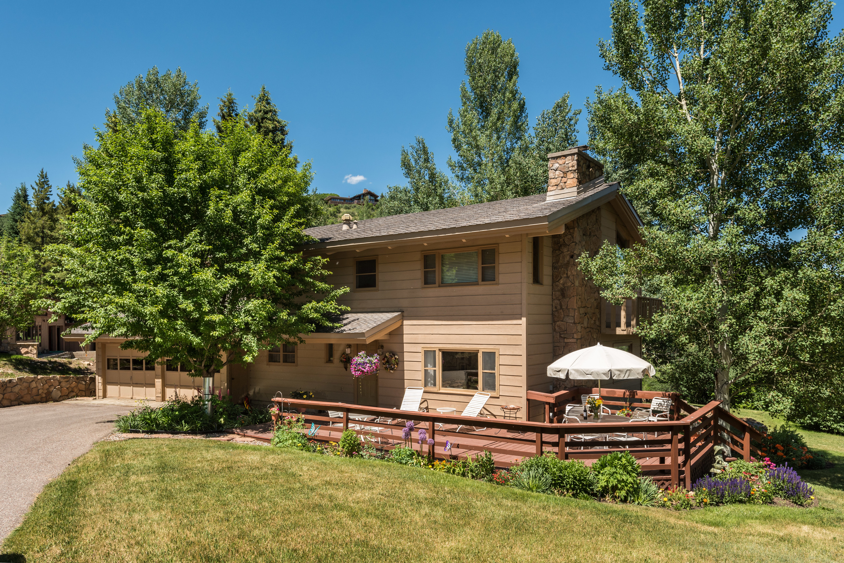 Einfamilienhaus für Verkauf beim Charming Home in Great Family Neighborhood 351 Meadow Road Snowmass Village, Colorado, 81615 Vereinigte Staaten
