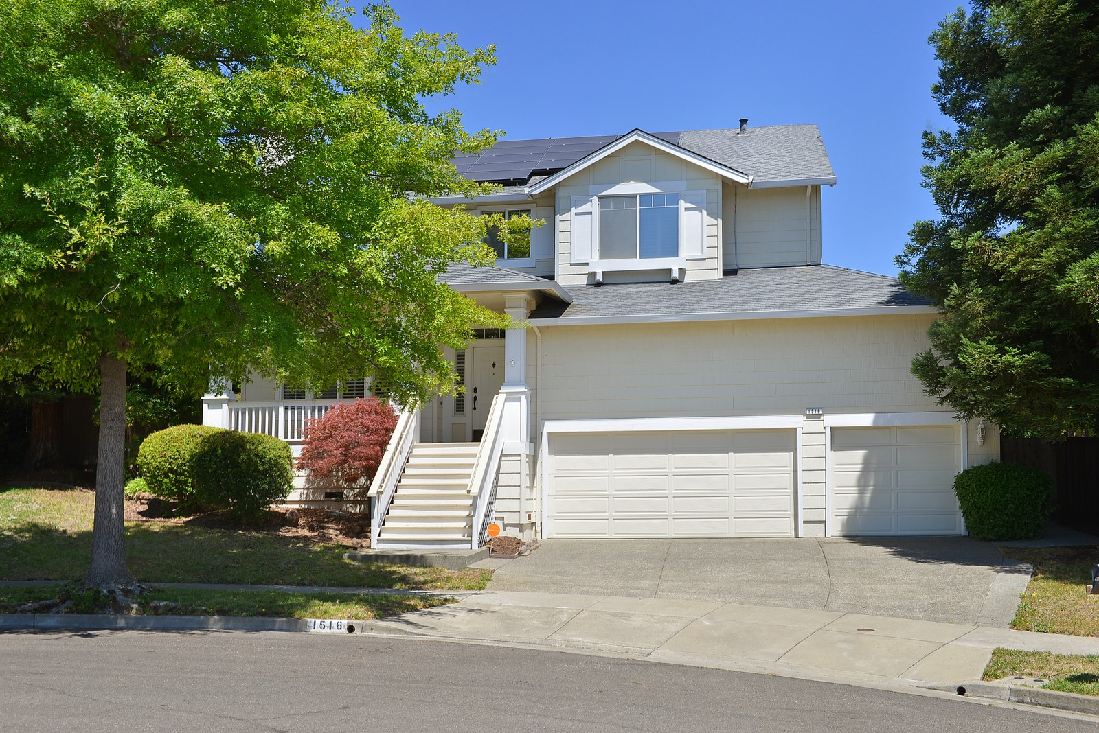 Single Family Home for Sale at Spacious Skyhawk Home 1516 Great Owl Place Santa Rosa, California, 95409 United States
