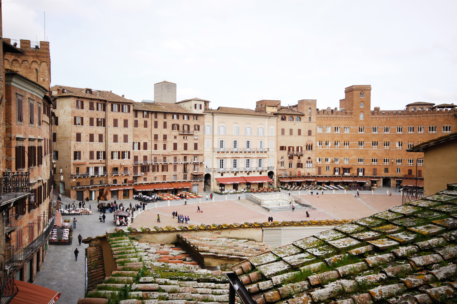 Apartamento por un Venta en Beautiful apartment with views of Piazza del Campo Siena, Siena 53100 Italia