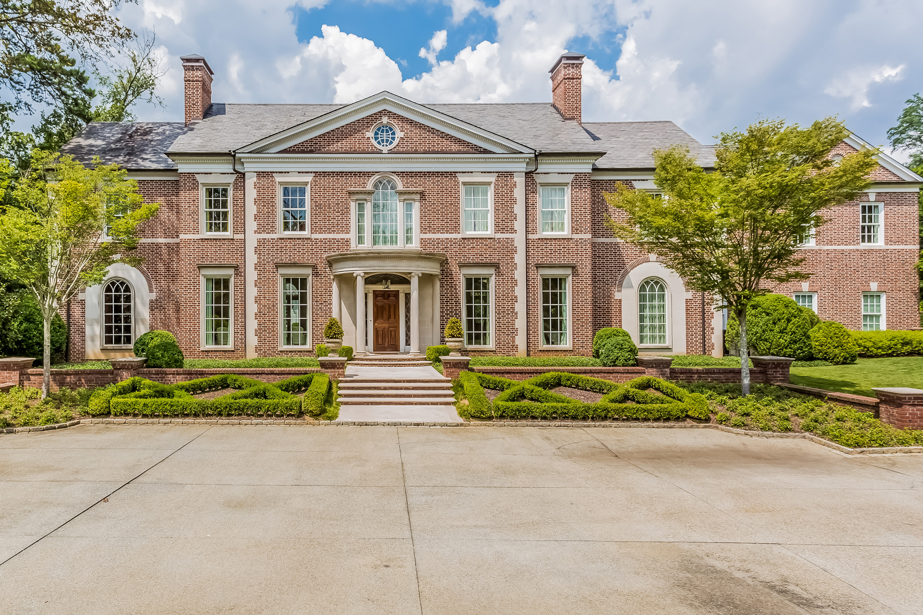 獨棟家庭住宅 為 出售 在 Majestic Estate On 4 Pristine Acres 2750 Habersham Road Buckhead, Atlanta, 喬治亞州, 30305 美國
