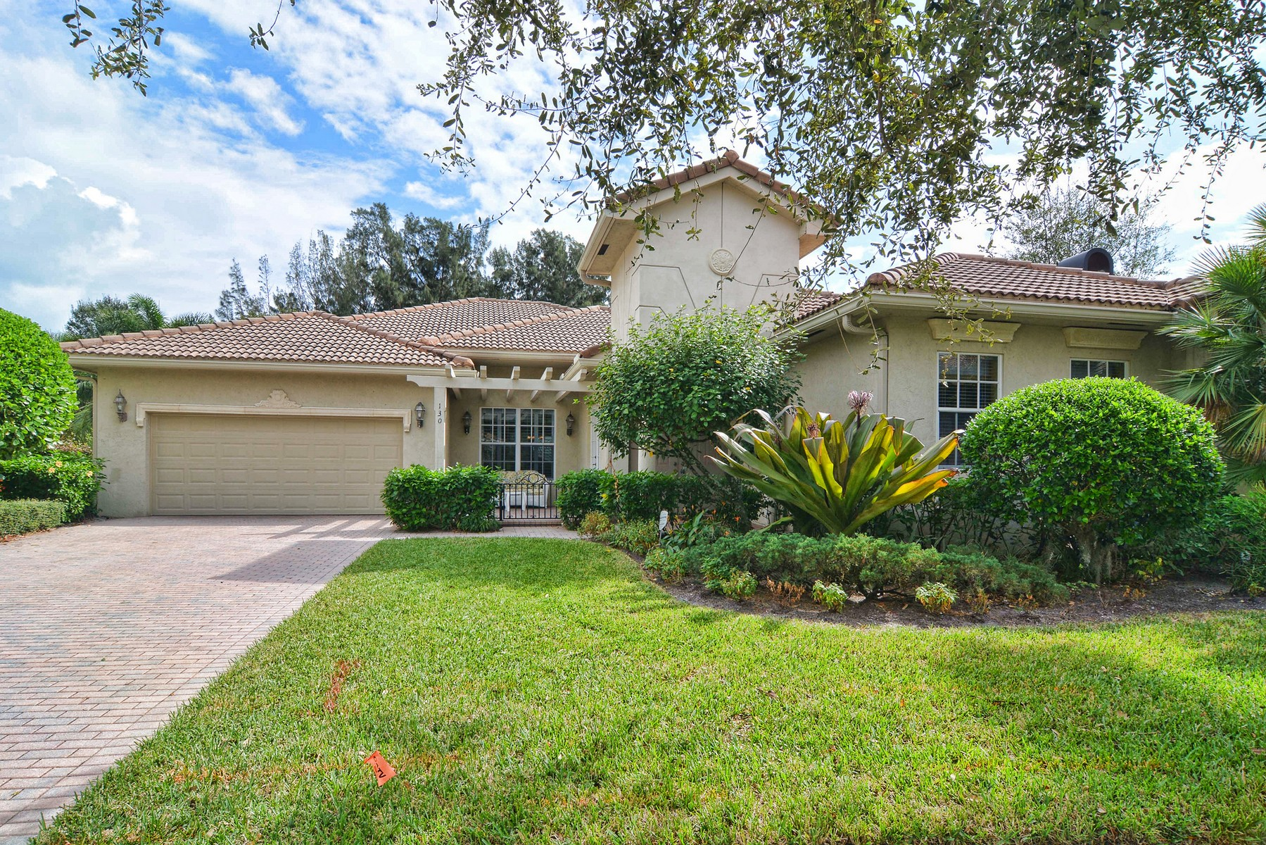Einfamilienhaus für Verkauf beim 130 Via Catalunha Jupiter, Florida, 33458 Vereinigte Staaten