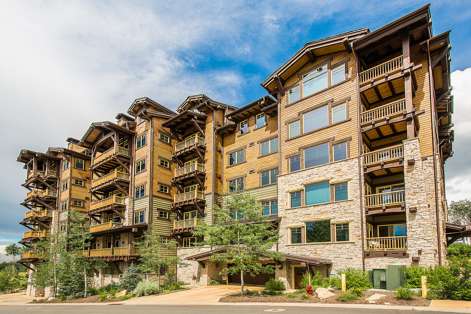 Condominium for Sale at Luxury Ski In Ski Out 8902 Empire Club Dr #407 Park City, Utah 84060 United States