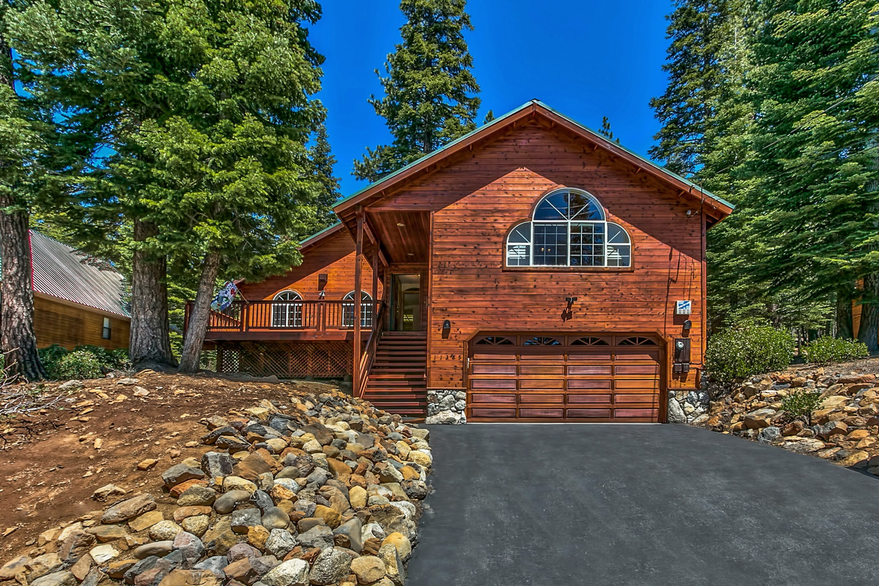 Single Family Home for Active at 11385 Sitzmark Way Truckee, California 96161 United States