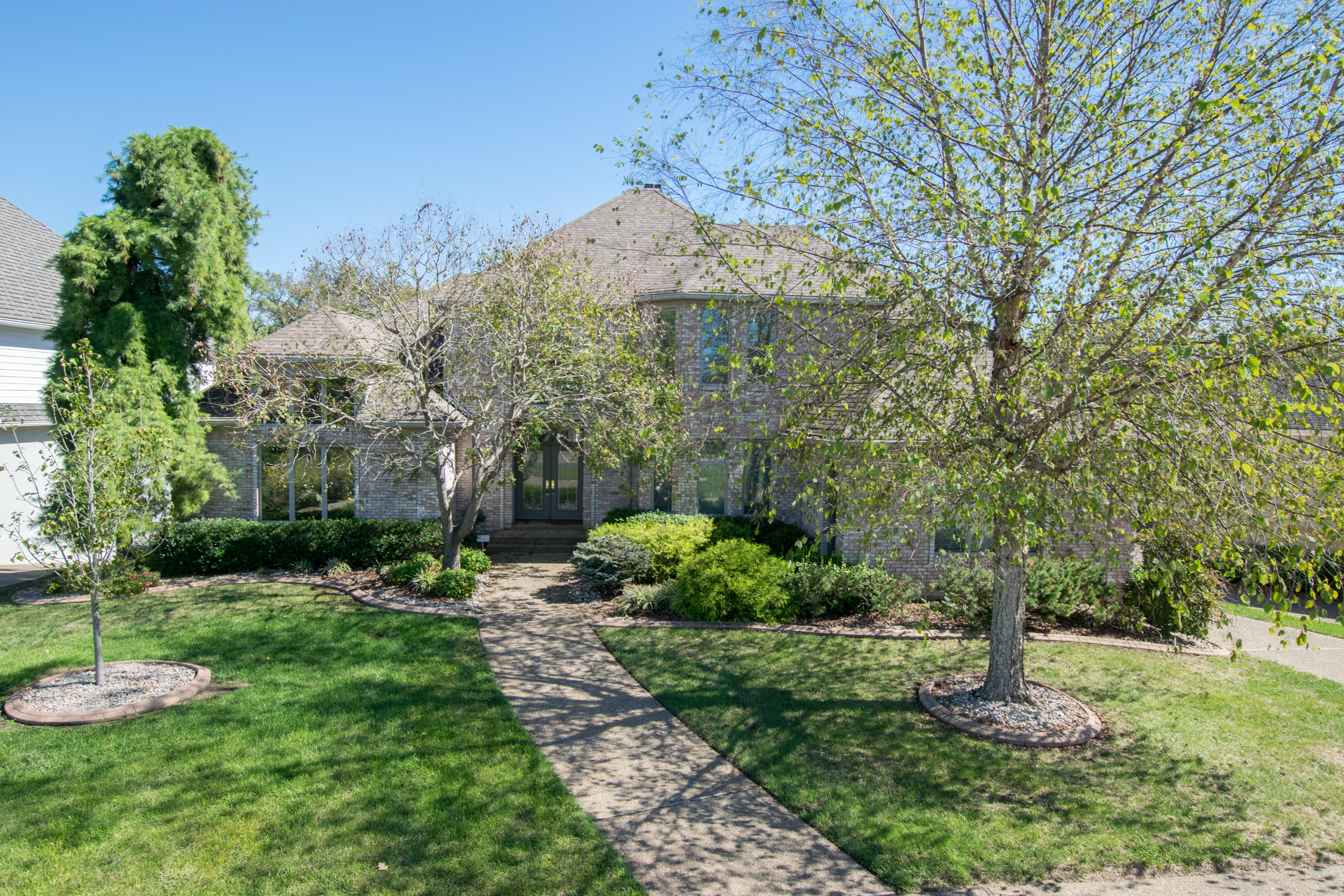 sales property at 5401 River Creek Court