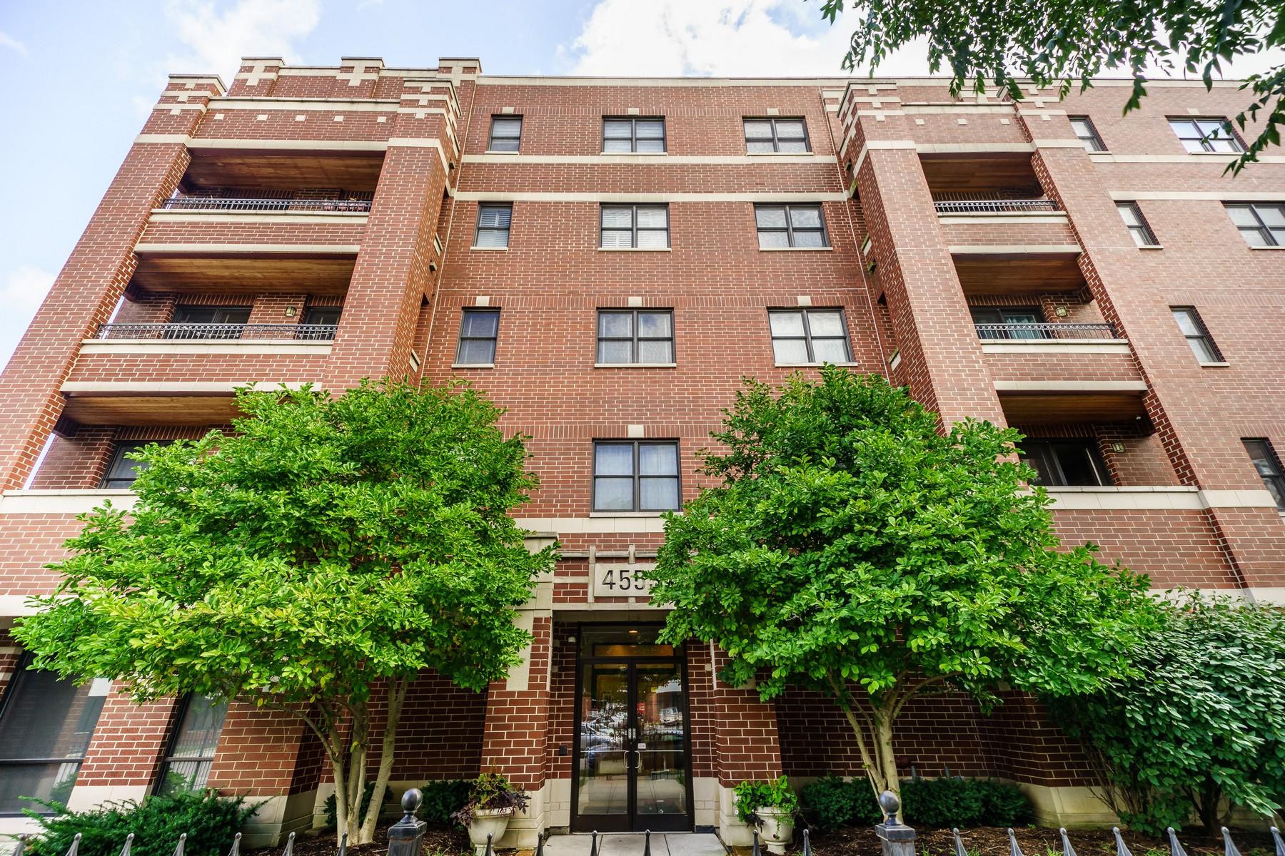 Condominio por un Venta en Sunny and Spacious Corner Unit 4553 N Magnolia Avenue Unit 306 Uptown, Chicago, Illinois, 60640 Estados Unidos