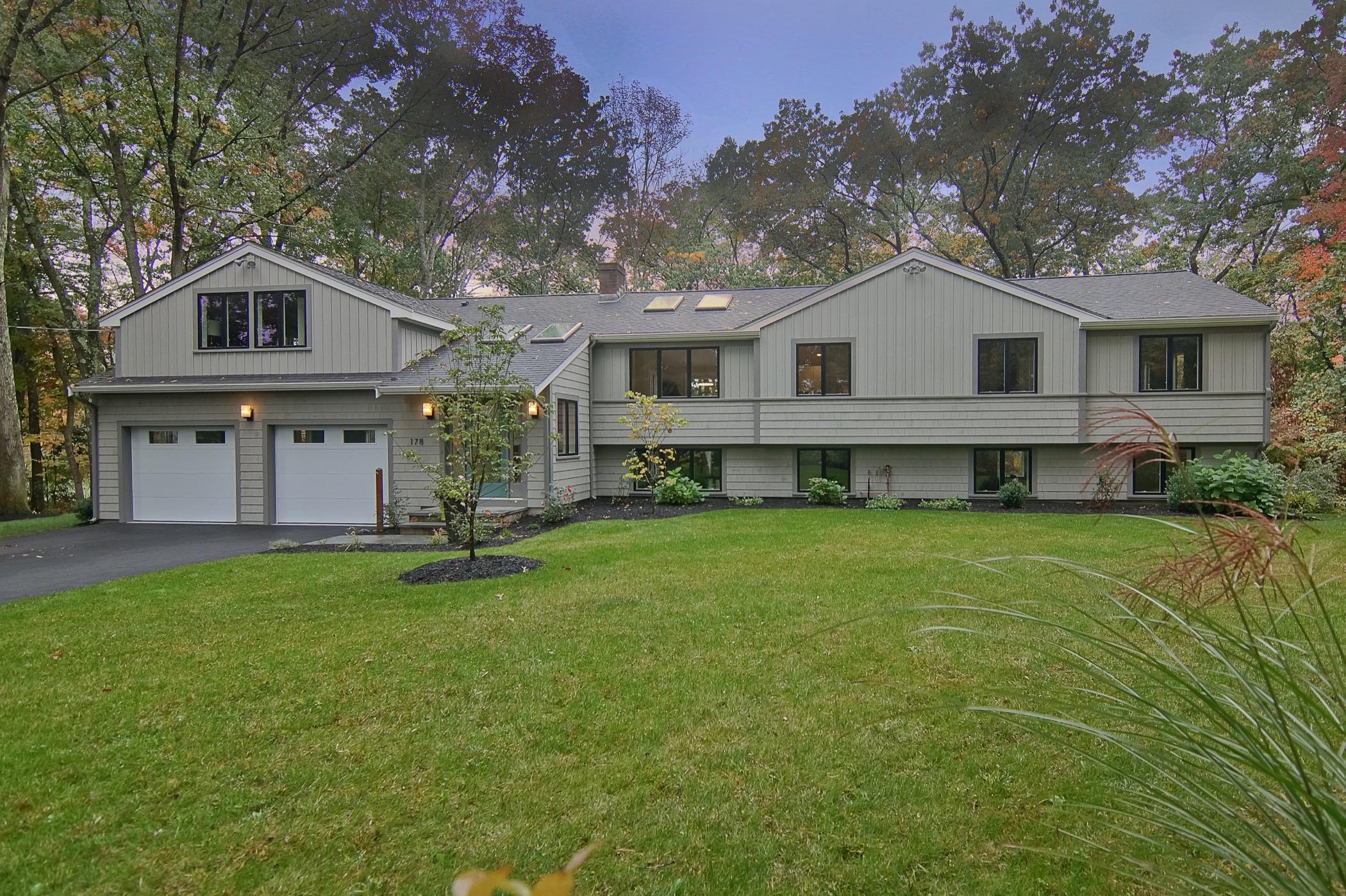단독 가정 주택 용 매매 에 Sophisticated Mid-Century Modern 178 Springs Road Bedford, 매사추세츠, 01730 미국