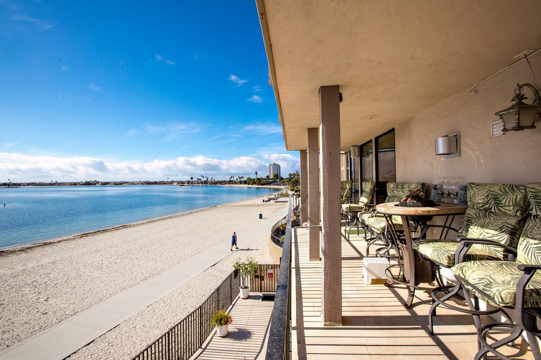 Casa Unifamiliar Adosada por un Venta en Pacific Beach Drive 1145 Pacific Beach Drive 209 San Diego, California 92109 Estados Unidos
