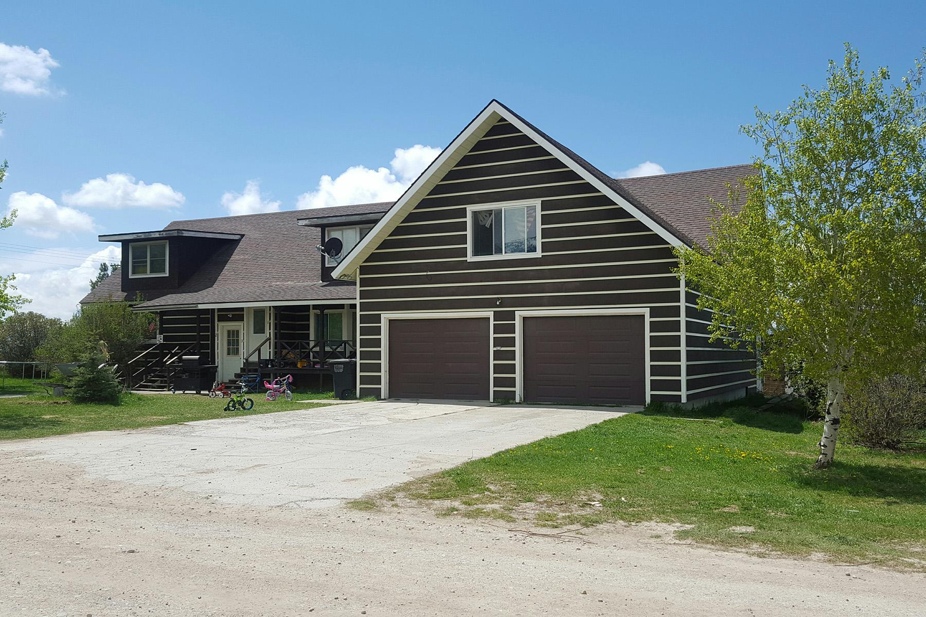 Многосемейный дом для того Продажа на Western 4 Plex on 3 Acres 1970 South 1500 East Driggs, Айдахо, 83422 Jackson Hole, Соединенные Штаты