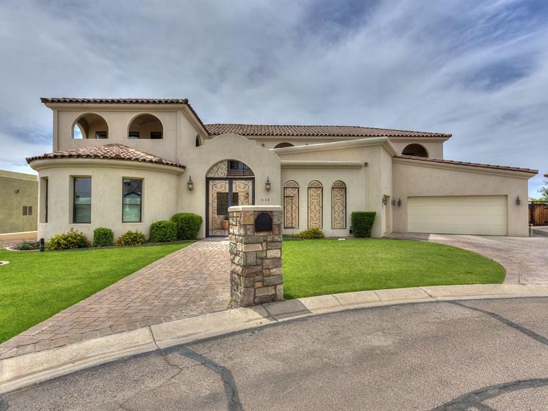一戸建て のために 売買 アット Highly Upgraded Home In Excellent North Central Phoenix Location 7108 N 19th Place Phoenix, アリゾナ 85020 アメリカ合衆国