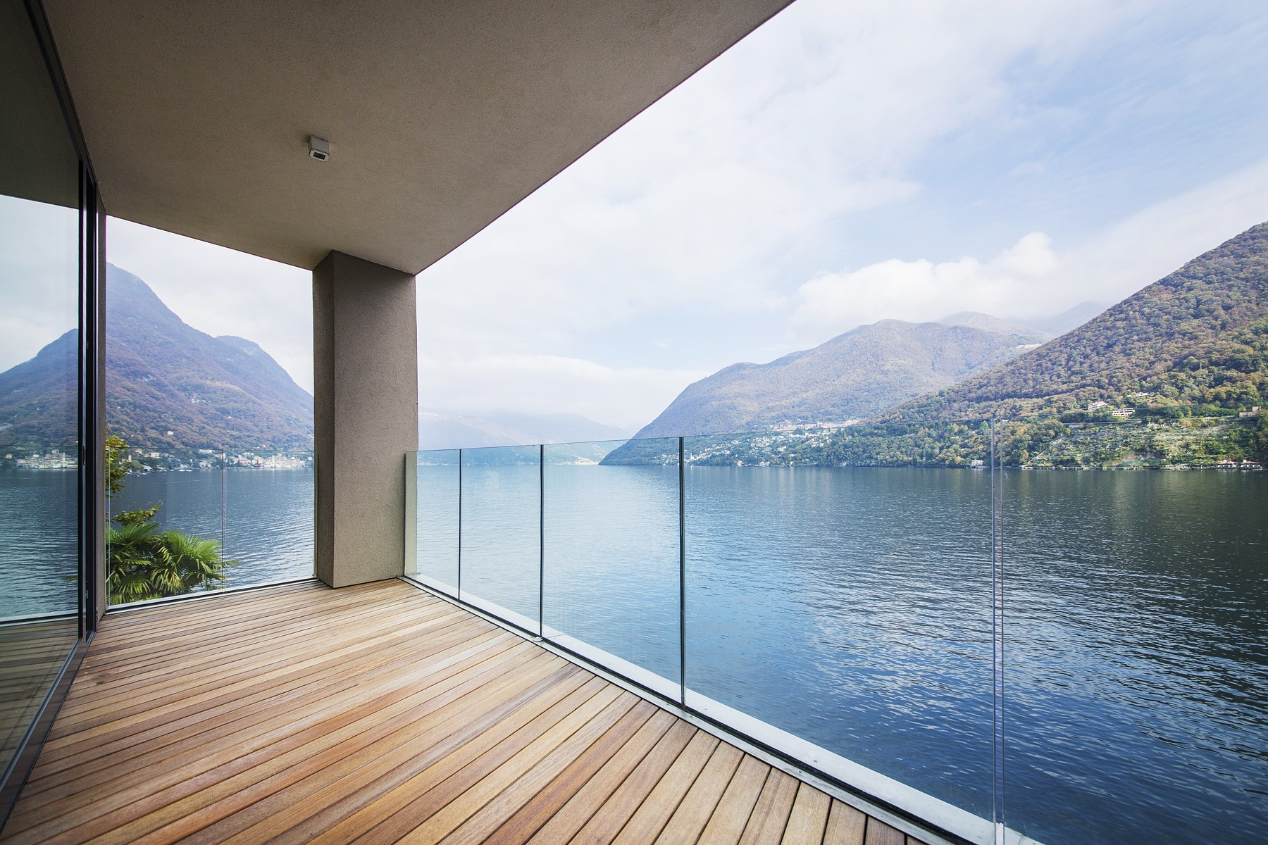 Apartamento por un Venta en Wonderful apartment in new building on Lake Como Via Nuova Regina Laglio, Como 22010 Italia