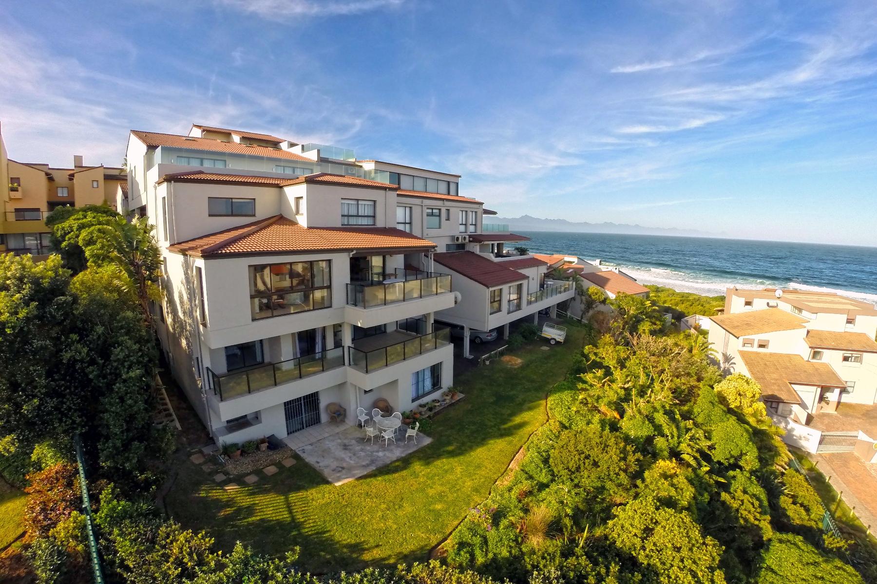 公寓 为 销售 在 Sea View Apartment 普利登堡港, 西开普省, 6600 南非