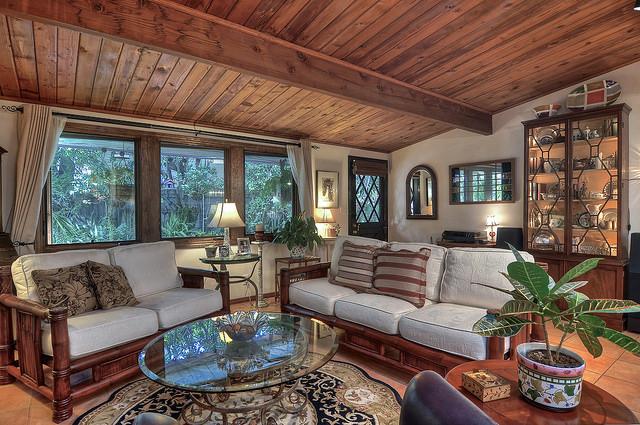 Casa Unifamiliar por un Venta en 2430 Holly Lane Newport Beach, California 92663 Estados Unidos