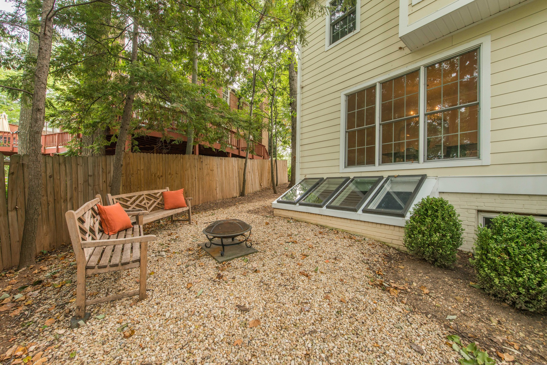 Additional photo for property listing at Belle Haven 6211 Randall Ct Alexandria, Virginia 22307 Estados Unidos