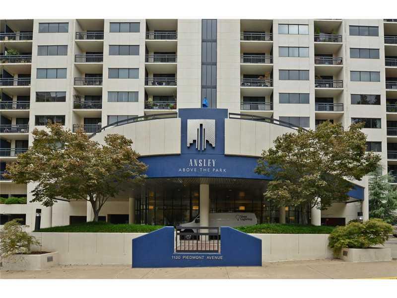 Copropriété pour l Vente à Beautiful Midtown Condo 1130 Piedmont Avenue NE Unit 610 Atlanta, Georgia 30309 États-Unis