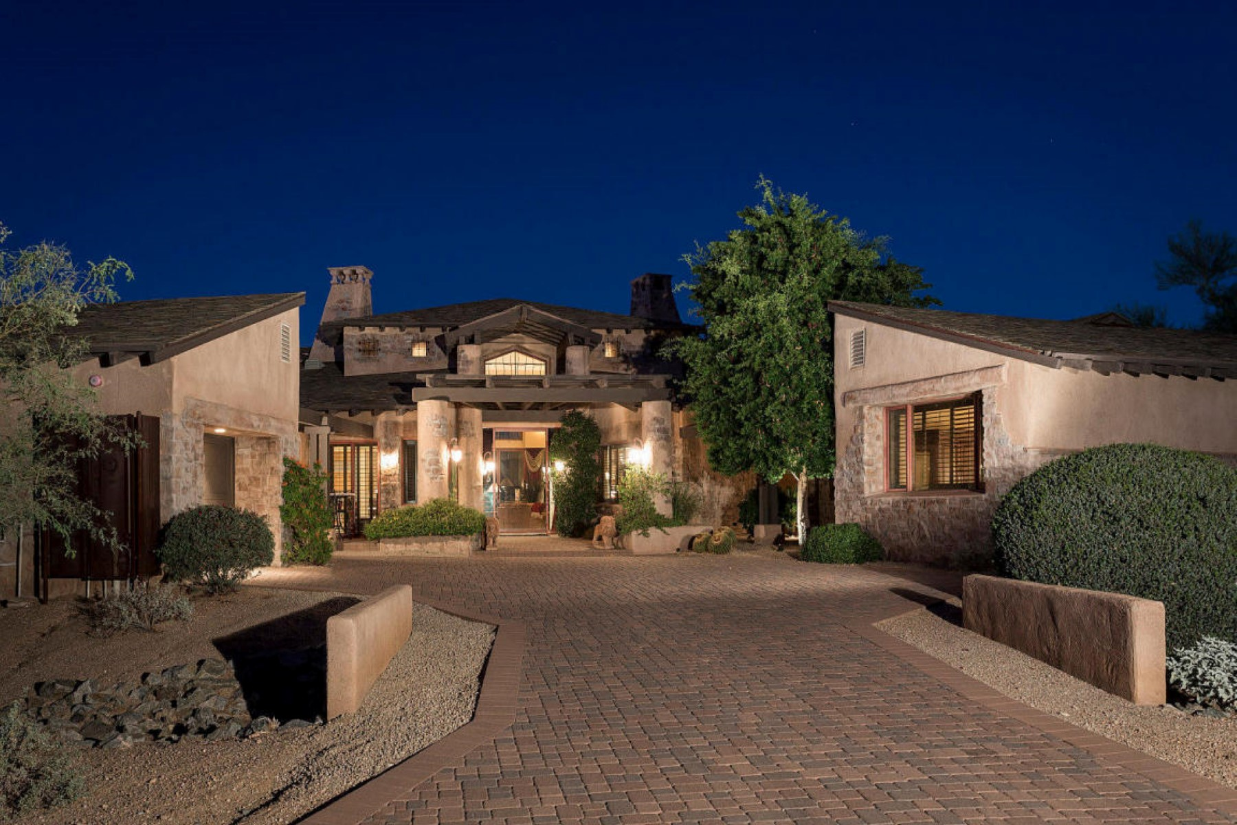 Single Family Home for Sale at Tivoli Model with tons of privacy 27939 N 100th Place Scottsdale, Arizona 85262 United States