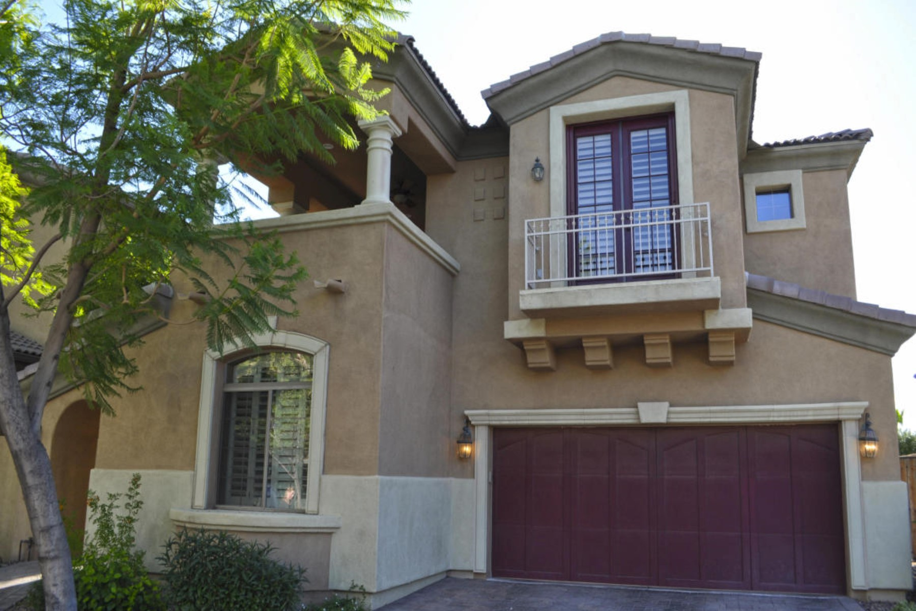 Property For Sale at IDEAL location in the heart of the city is the gated community called Andorra.