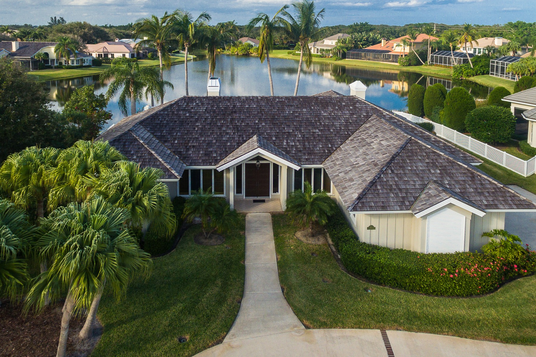 Single Family Home for Sale at Spacious Lakefront Home in Seagrove West 200 Riverway Drive Vero Beach, Florida, 32963 United States