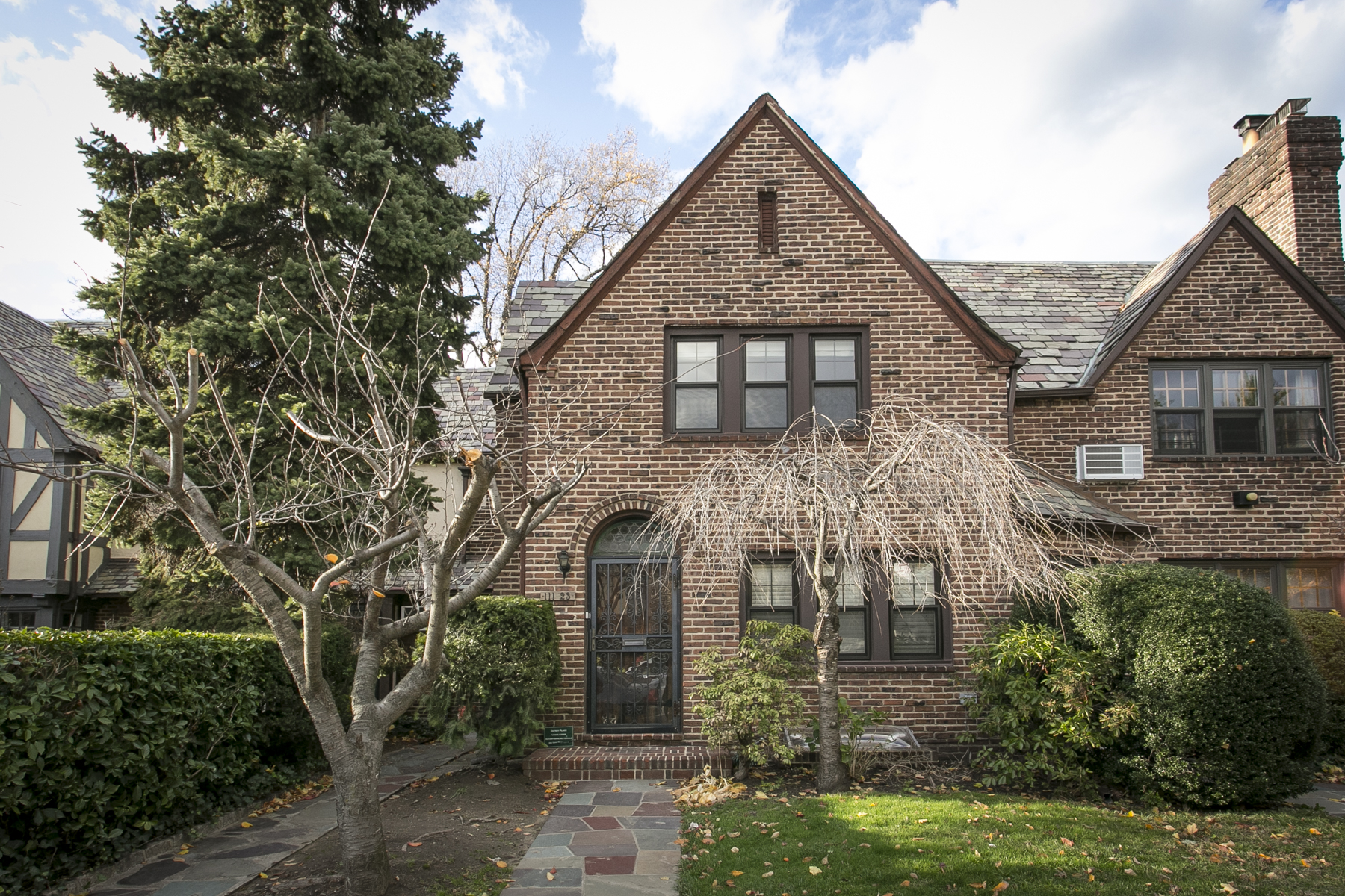 """Apartment for Rent at """"RENOVATED DREAM RENTAL IN ARBOR CLOSE"""" Forest Hills, New York 11375 United States"""