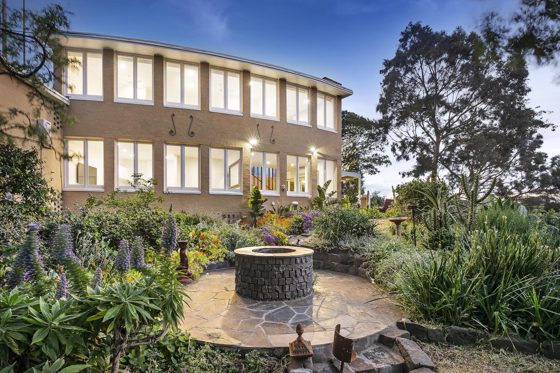 Tek Ailelik Ev için Satış at Residence 1 at 3 Glover Court, TOORAK Melbourne, Victoria, 3142 Avustralya