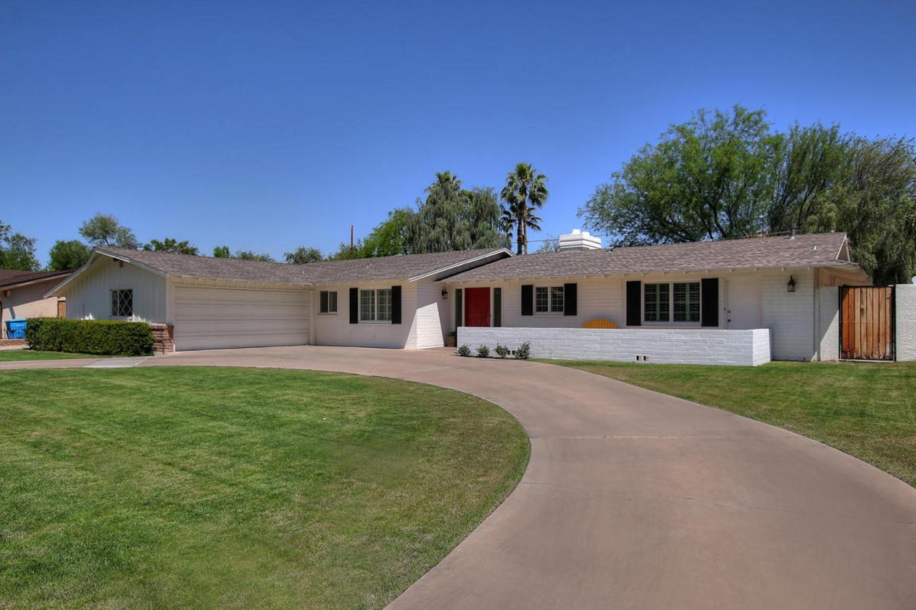 一戸建て のために 売買 アット Gorgeous North Central Traditional in the best location 16 E Kaler Dr Phoenix, アリゾナ, 85020 アメリカ合衆国