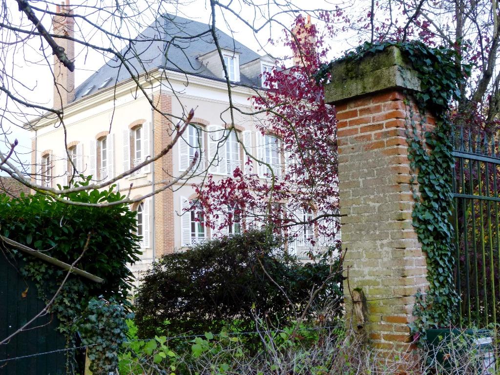 Casa Unifamiliar por un Venta en Maison de Maître Other Centre, Centro Francia