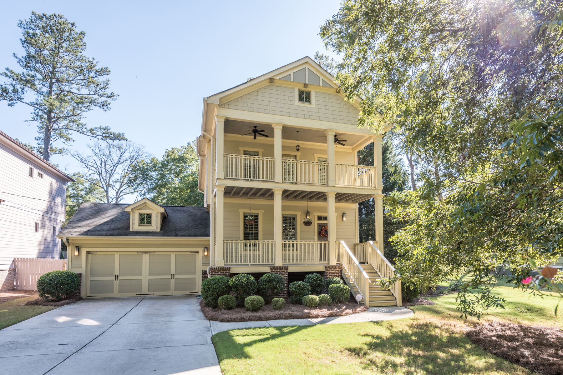 Vivienda unifamiliar por un Venta en Charleston Style Craftsman In Great Location 2811 Arborcrest Drive Decatur, Georgia 30033 Estados Unidos