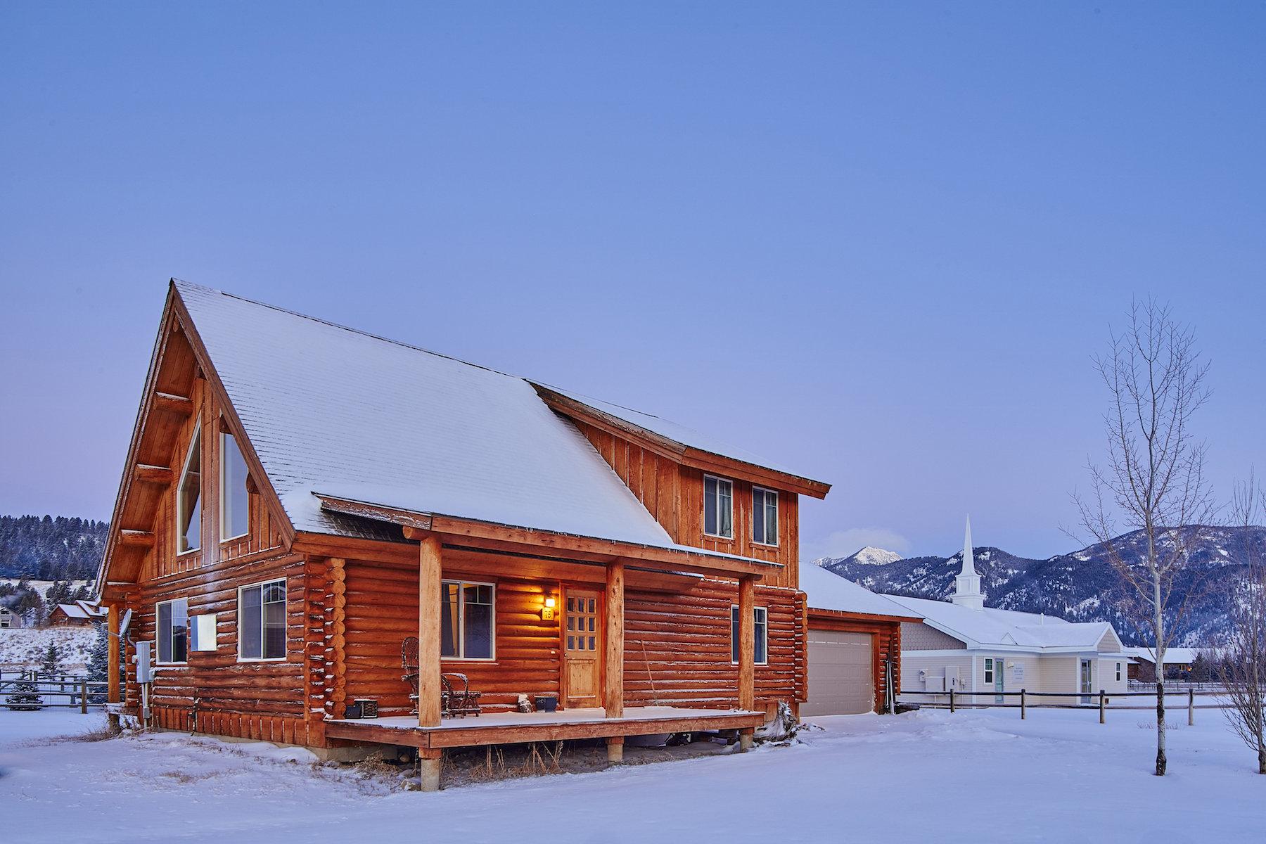 단독 가정 주택 용 매매 에 Great Log Home in Quiet Neighborhood 75 Blacktail Lane Big Sky, 몬타나 59716 미국