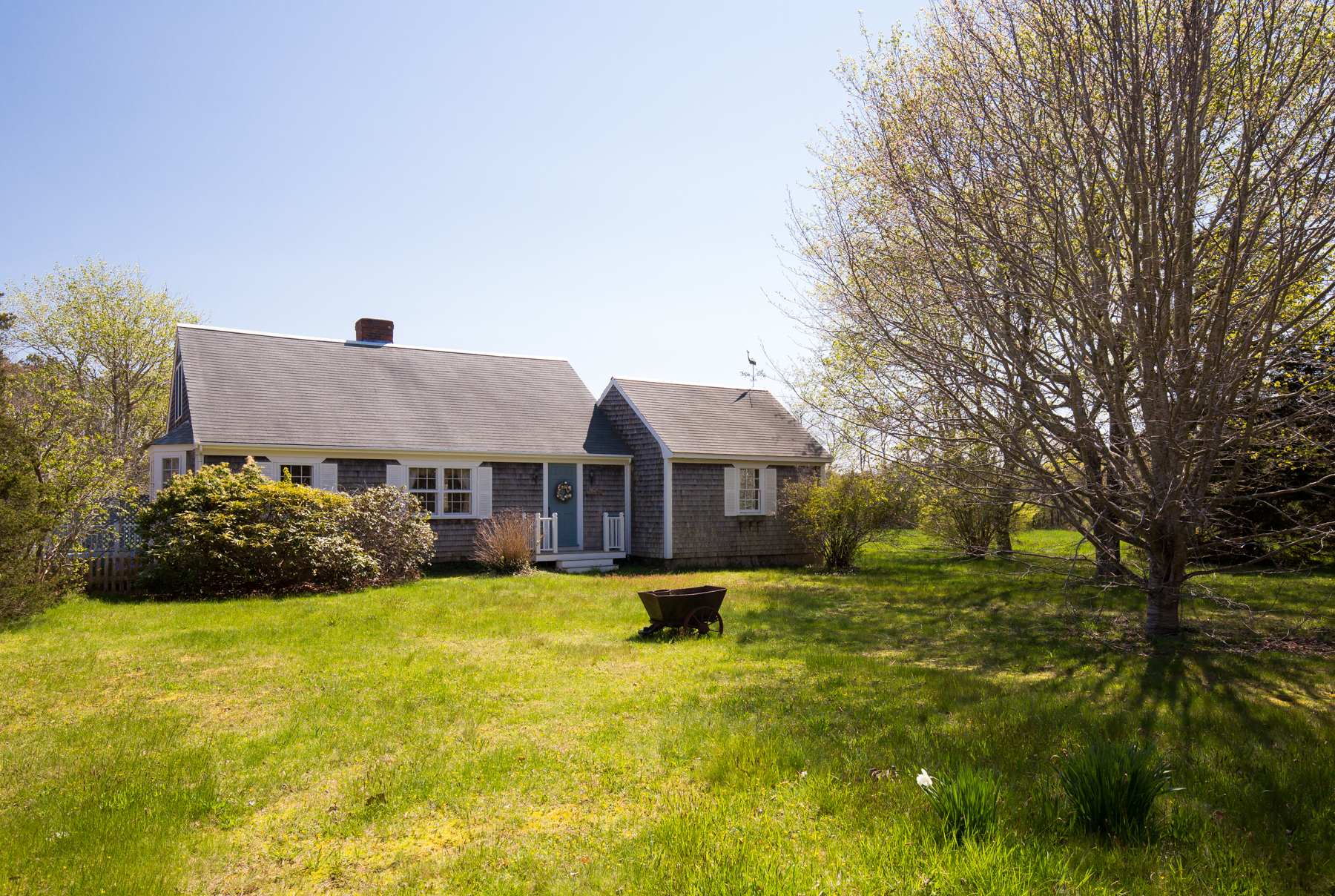 Single Family Home for Sale at Charming West Tisbury Setting 574 Edgartown Rd West Tisbury, Massachusetts, 02575 United States