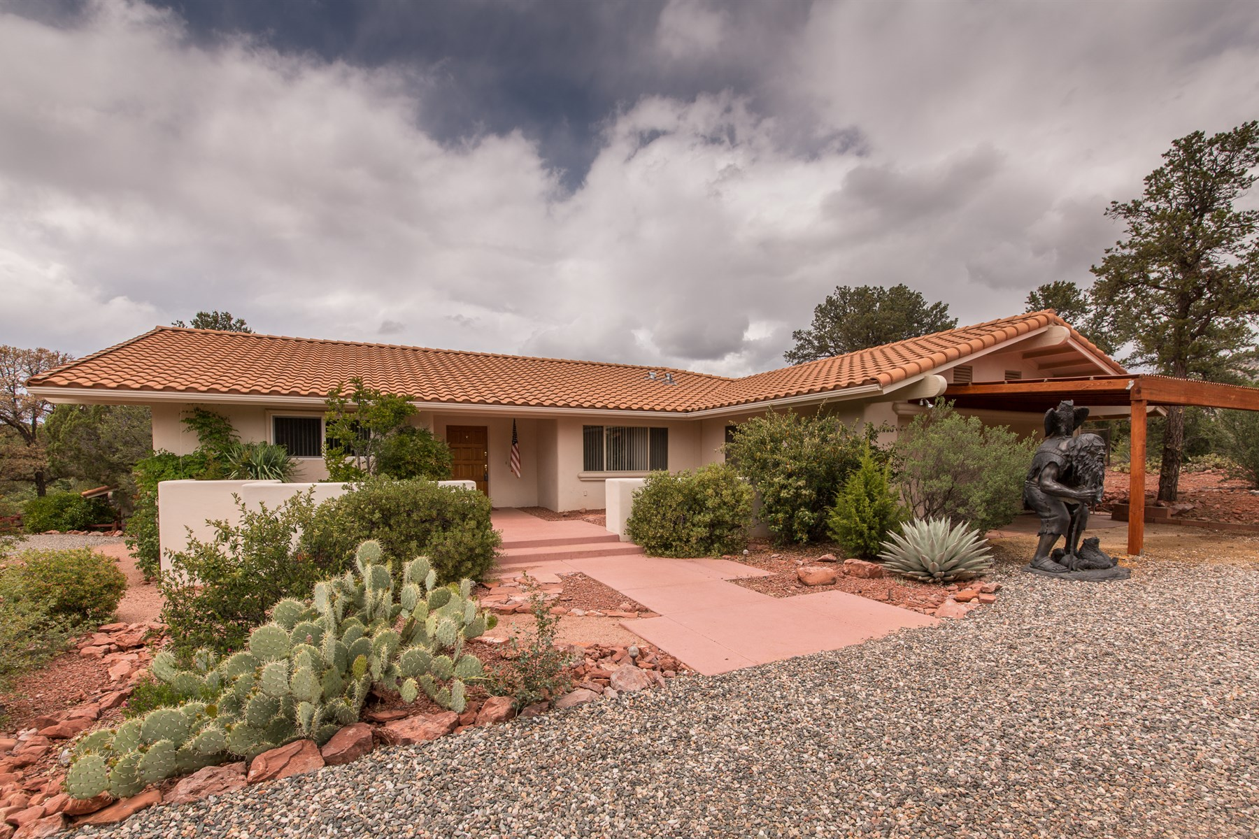 Single Family Home for Sale at Pleasant home in an upscale neighborhood with lots of versatile space. 11 Emerald Court Sedona, Arizona 86336 United States
