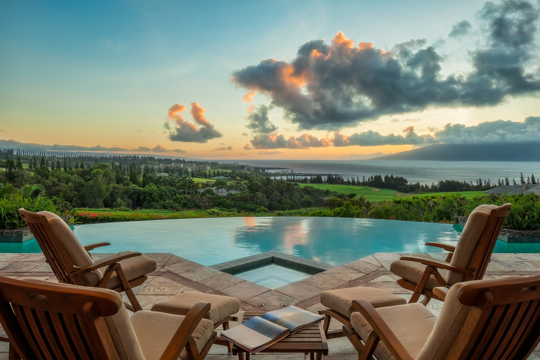 Maison unifamiliale pour l Vente à Dramatic Oceanview Estate Overlooking The Kapalua Plantation Course 212 Plantation Club Drive Kapalua, Hawaii 96761 États-Unis