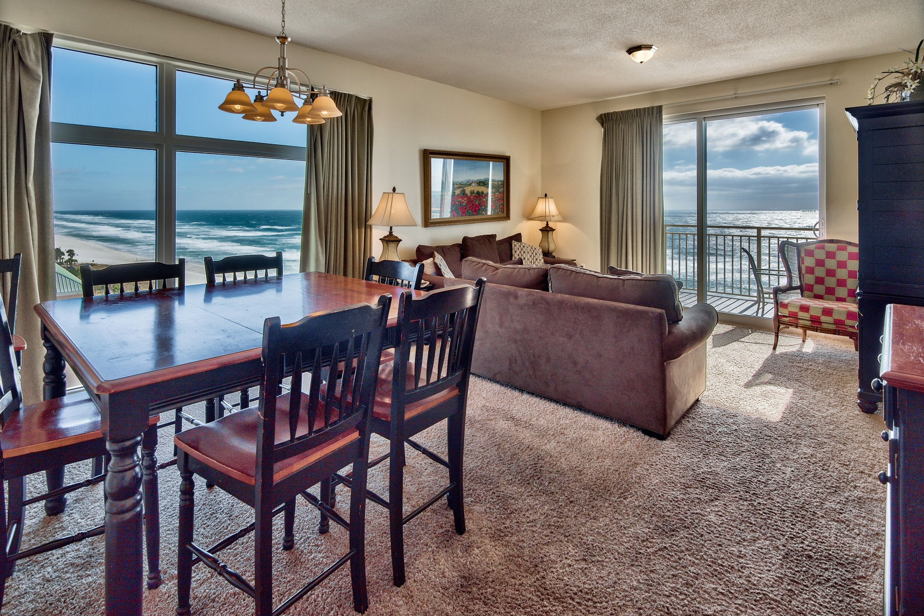 Copropriété pour l Vente à OVERSIZED 6TH FLOOR BALCONY WITH PANORAMIC GULF VIEWS 12011 Front Beach Road 601 Panama City Beach, Florida, 32408 États-Unis