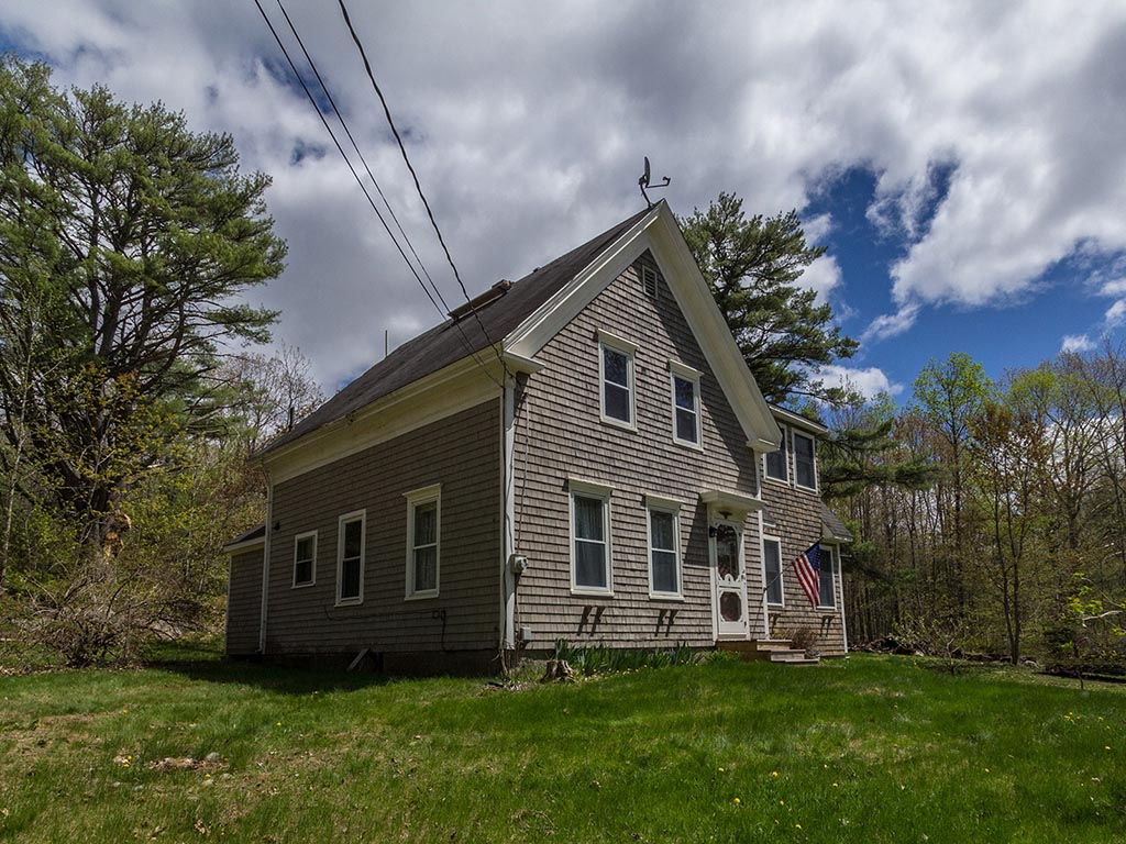 Single Family Home for Sale at 247 East Pond Road Nobleboro, Maine 04555 United States