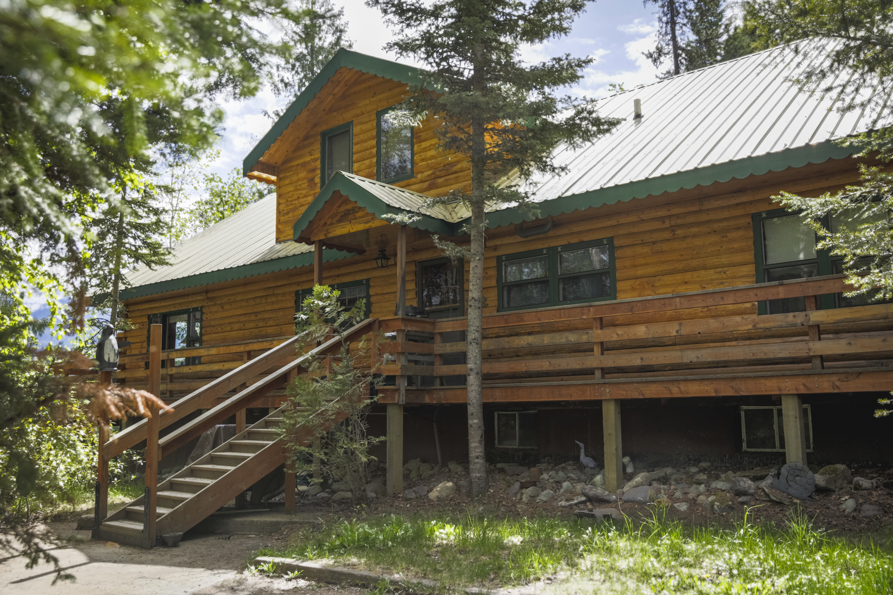 Maison unifamiliale pour l Vente à Log Home on Swan Lake 29390 Cedar Bay Lane Bigfork, Montana 59911 États-Unis