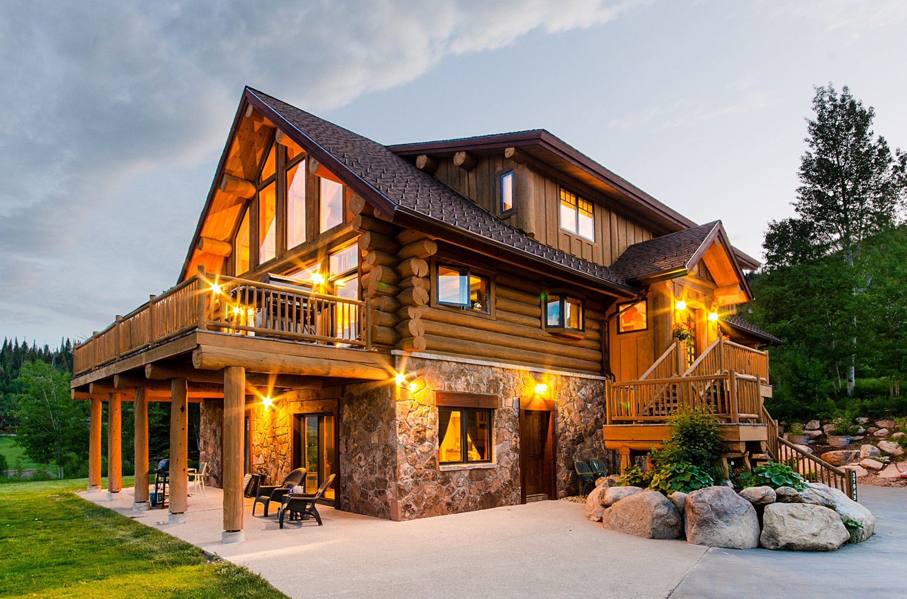 Maison unifamiliale pour l Vente à Authentic Mountain Rustic Home 37045 William William Steamboat Springs, Colorado 80487 États-Unis