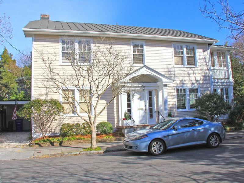 Casa para uma família para Venda às Charming Colonial Style Home 34 Lenwood Blvd Charleston, Carolina Do Sul 29401 Estados Unidos