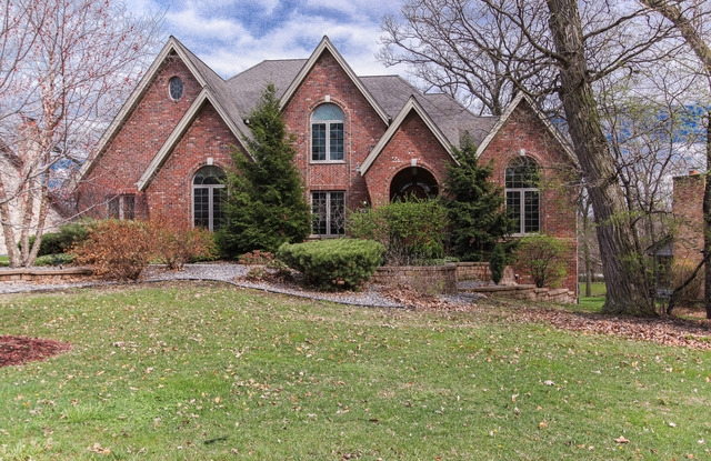 Single Family Home for Sale at 8809 Carlisle Ct Darien, Illinois, 60561 United States