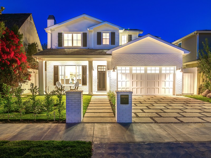 Single Family Home for Sale at 4252 Beck Ave Studio City, California 91604 United States