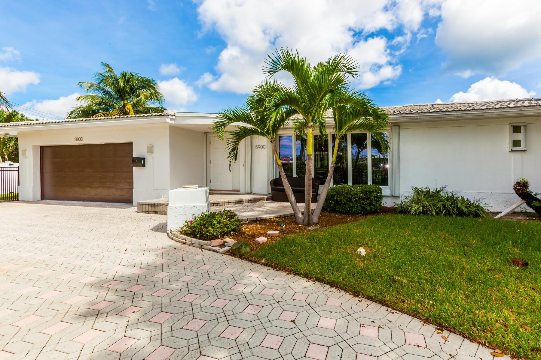 Casa para uma família para Venda às 5900 Bayview Dr. Fort Lauderdale, Florida 33308 Estados Unidos